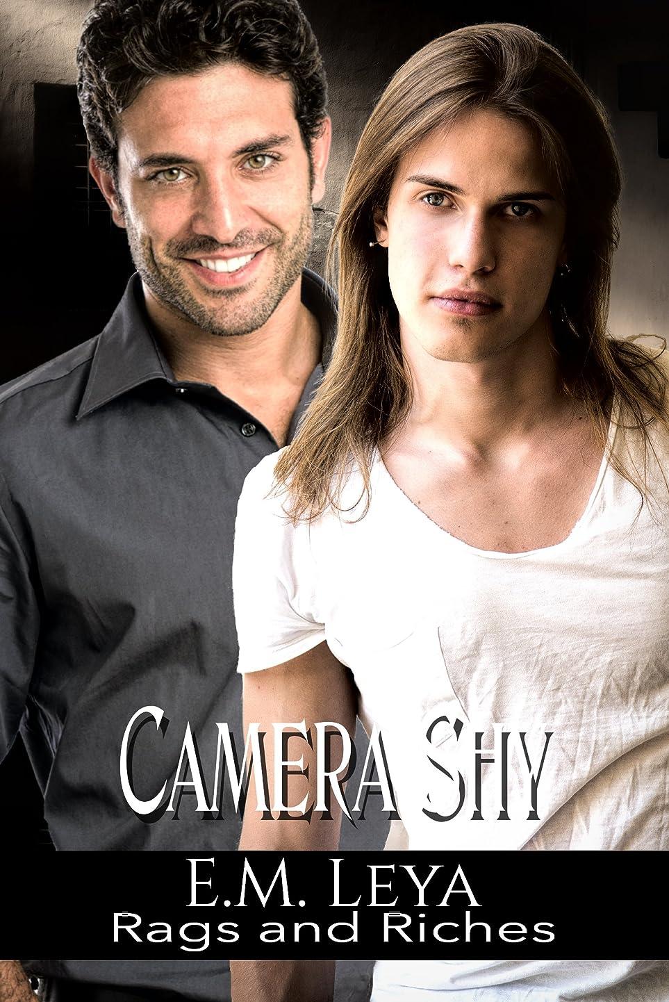 不正確選択記念Camera Shy (Rags and Riches Book 5) (English Edition)