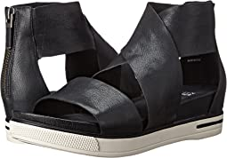 601220150f26 Black Tumbled Leather. 694. Eileen Fisher. Sport