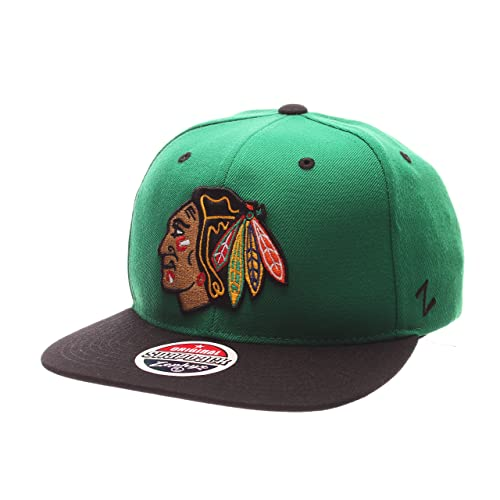 475b0b54dfe Chicago Blackhawks Hats Snapbacks  Amazon.com