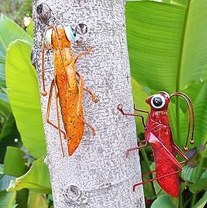 ShabbyDecor Metal Grasshopper Figurine Yard Art Locust Lawn Ornament Mantis Hanging Wall Sculpture Decoration Set of 2,Red&Yellow