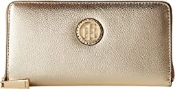 Tommy Hilfiger - TH Serif Signature Pebble Leather Large Zip Around