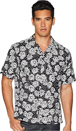 Original Penguin Short Sleeve Exploded Daisy Print
