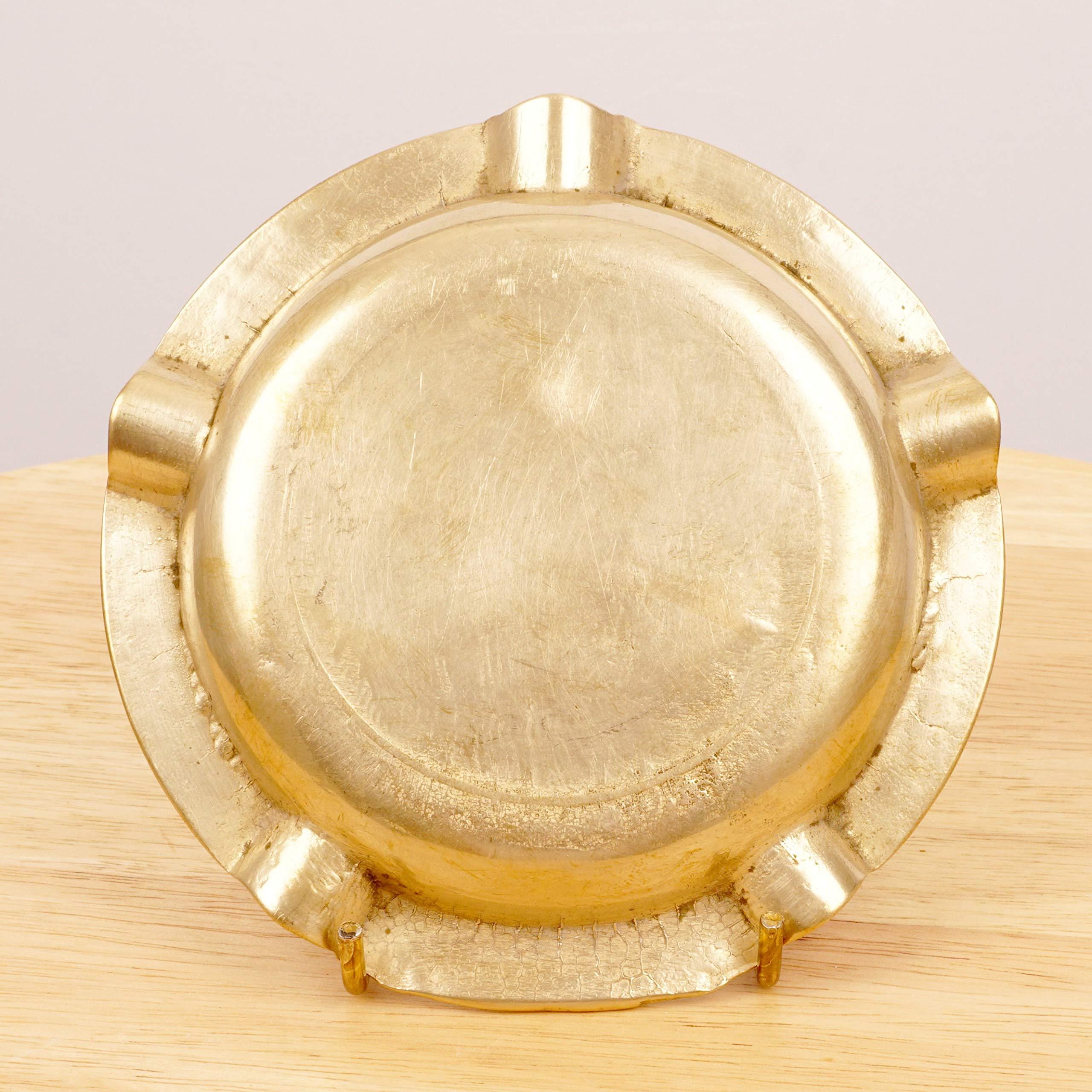 Vintage solid brass Vilkave scene Circle shape Pub Scene Ashtray