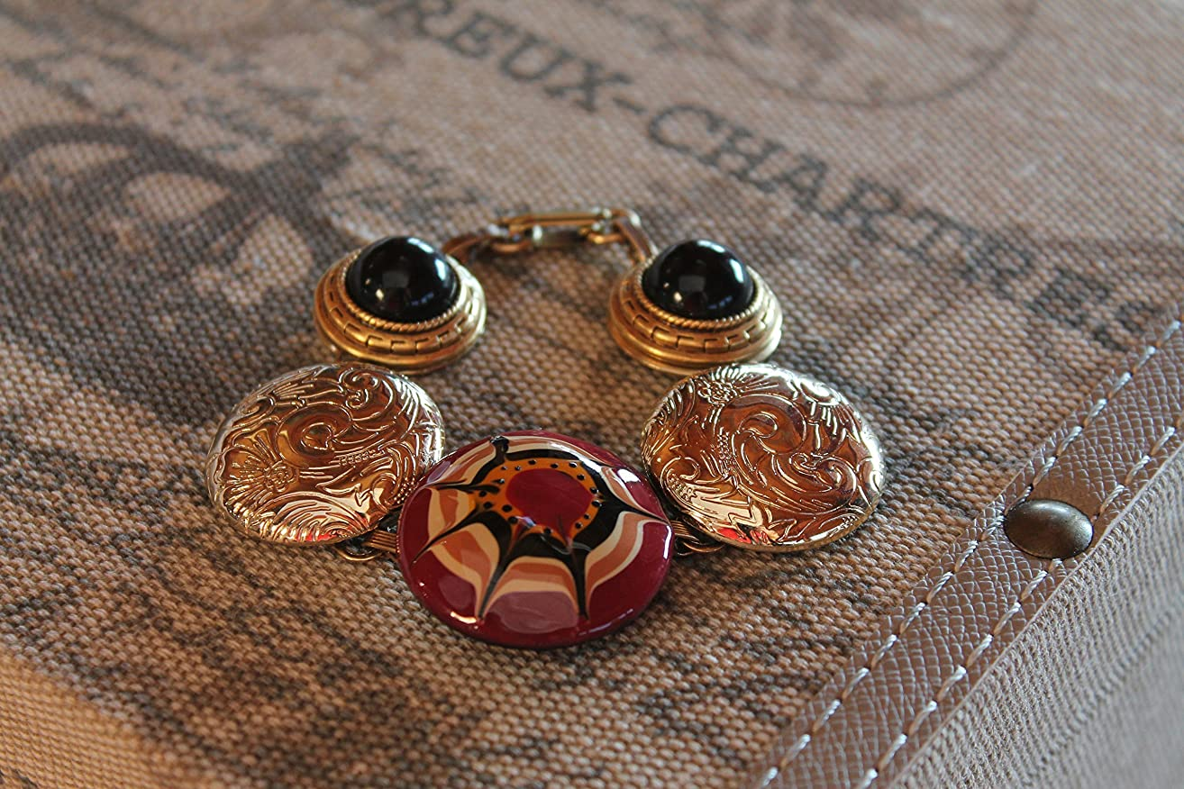 RUNWAY UP-CYCLED SPIDER WEB BAUBLE BRACELET USING VINTAGE BUTTON EARRINGS