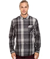 Levi's® - Caesar Poplin Long Sleeve Woven Shirt
