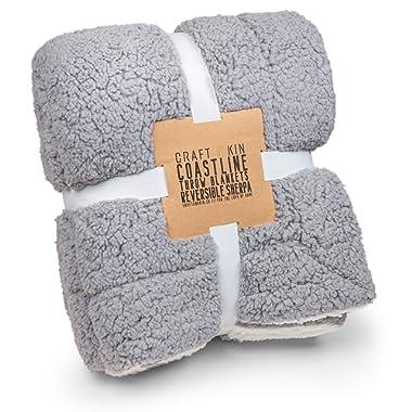 Dual-Sided Charcoal Grey & White Fleece Throw Blanket, Premium Sherpa Blanket, Cozy Blanket, Fluffy Blanket, Thick Blanket, Soft Blanket, Fuzzy Blanket, Fleece Blanket Fabric (Full Size, 60.5  x 48 )