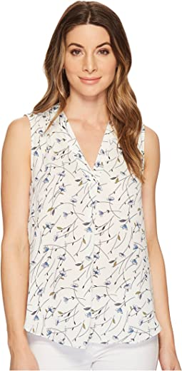 Vince Camuto - Sleeveless Scatter Bouquet V-Neck Blouse
