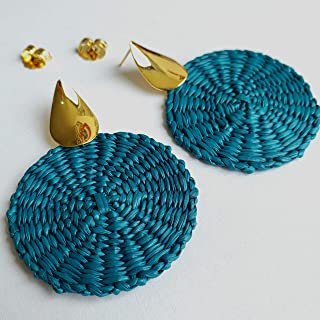 Colombian Natural Iraca Palm Earrings. Gold plated over Bronze and Iraca Palm earrings. Raindrops Earrings. 24 Kt Gold plated handmade earrings by D'Mundo Accesorios. 2