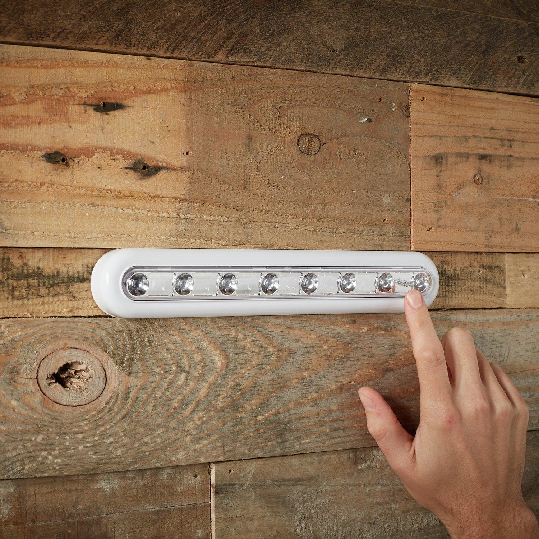 Lights4fun Lampe de Placard /'Tactile/' /à Piles avec 8 LED Blanches Orientables et Fixation Autocollante 3M
