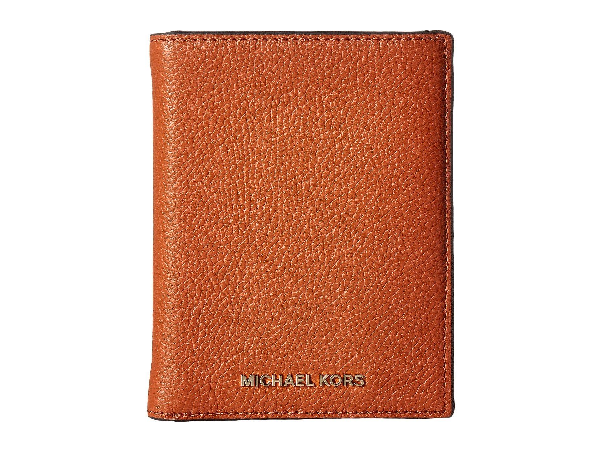 Bolso Accesorio de Viaje para Mujer MICHAEL Michael Kors Mercer Passport Wallet  + Michael Kors en VeoyCompro.net