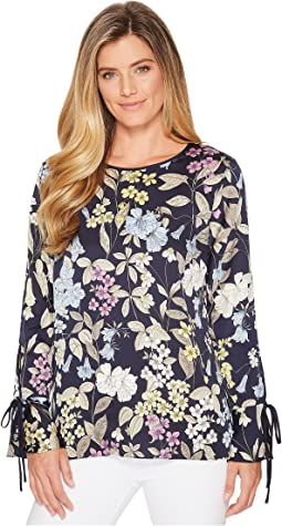 Vince Camuto - Long Sleeve Flare Cuff Country Floral Blouse