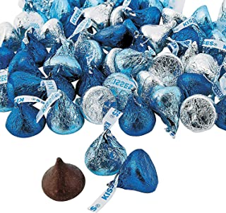 Fun Express - Blue & Silver Hershey Kisses for Winter - Edibles - Chocolate - Branded Chocolate - Winter - 65 Pieces