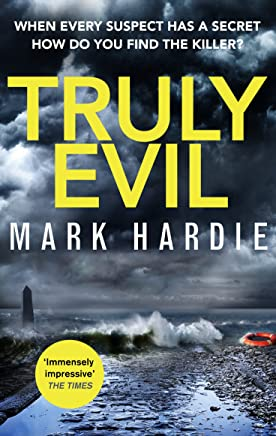 Truly Evil: When every suspect has a secret, how do you find the killer? (Pearson and Russell) (English Edition)