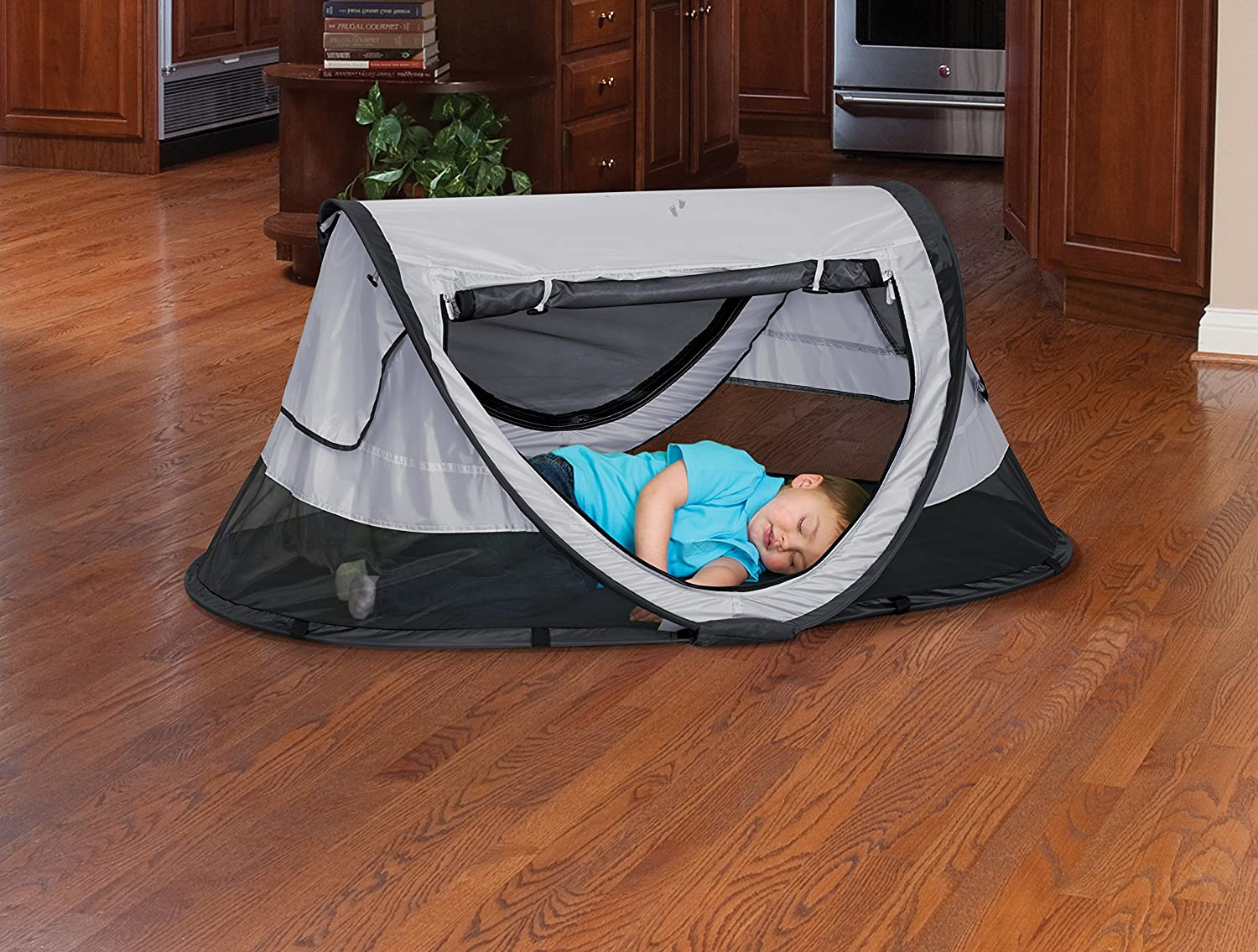KidCo P4012 Peapod Plus Portable Indoor Outdoor Travel Bed Midnight