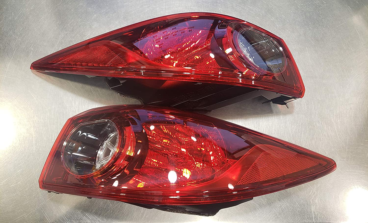 New Genuine OEM Sale SALE% OFF 2015-2018 Mazda 3 Light Tail Rear Assembly Tampa Mall Set