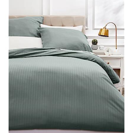 Amazon Basics Parure de lit avec housse de couette haut de gamme avec deux taies d'oreiller, 230 x 220 cm, Gris foncé