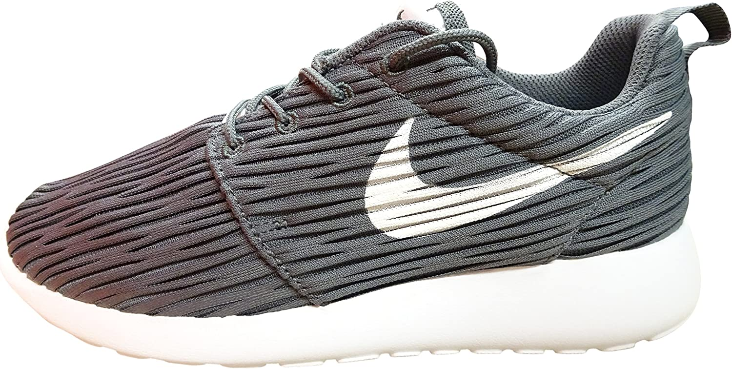 Nike Womens Roshe One Eng Textile Trainers