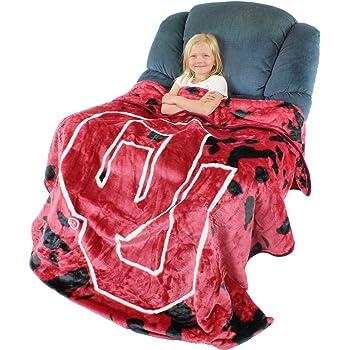 Multicolor Logo Brands NCAA East Carolina PiratesUnisex Adult Frosty Fleece Blanket One Size