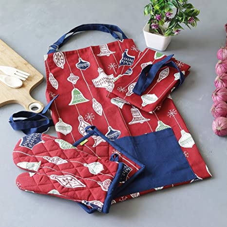 Amazon Com Plush Home 100 Cotton Kitchen Combo Set Of Apron Oven Mitten Pot Holder Pair Of Kitchen Towels With A Unique Hanging Bells Printed Perfect For Thanksgiving Gifting Baking
