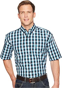 Wrangler George Strait Short Sleeve Two-Pocket Plaid