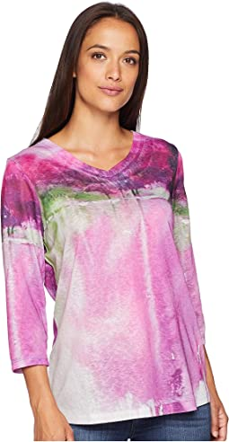 Lovely Reflection Print V-Neck Top