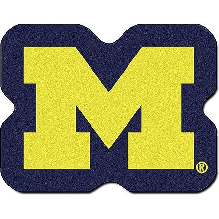 Amazon Com Fan Mats University Of Michigan Wolverines Team Emblem Tailgater Mat 59 5 X71 Garden Outdoor