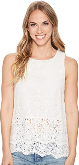 Feminine Fringed Crochet Sleeveless Top with Lining
