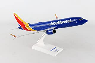 Daron Worldwide Trading Skymarks Southwest 737-Max8 1/130 W/WiFi Dome Model Airplane