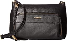 Calvin Klein - Key Item Pebble Multi Entry Crossbody