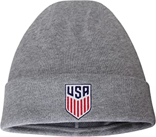 Amazon.com  NIKE - Skullies   Beanies   Hats   Caps  Clothing d1fe5b890ea