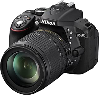 Nikon D5300 - Cámara réflex de 24.2 MP (Pantalla TFT LCD inclinable 3.2 Sensor CMOS DX vídeo Full HD AF dinámico con 39 Puntos WiFi GPS) Negro - Kit con Objetivo Nikkor AF-S DX VR 18-105 mm