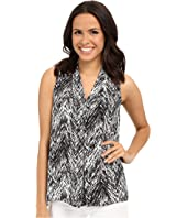 Vince Camuto - Sleeveless Textured Vibe V Blouse w/ Front Pleat