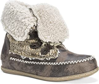 حذاء نسائي برباط من MUK LUKS