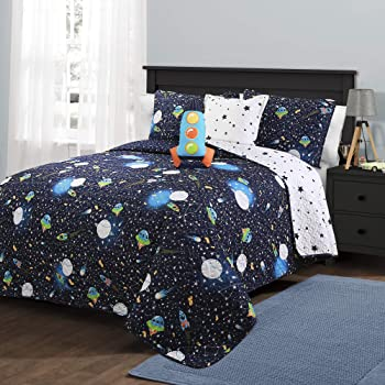Lush Decor Navy Universe Quilt | Outer Space Stars Galaxy Planet Rocket Reversible 4 Piece Bedding Set for Kids-Full Queen