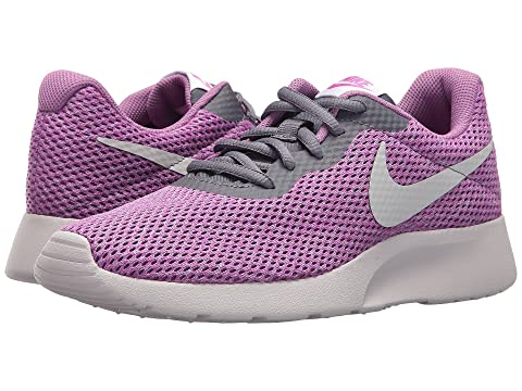 26704bf0bf64 Nike Tanjun SE at Zappos.com