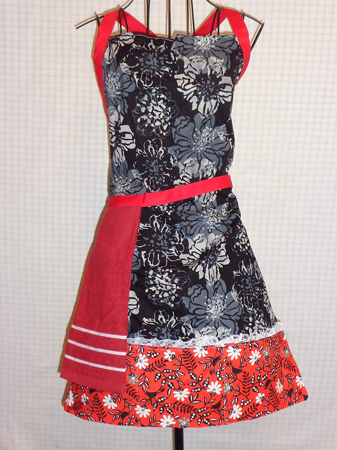 HANDMADE New color APRON WITH Price reduction ATTACHED TOWEL