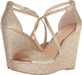 c572e4197df Amazon.com  Gold - Sandals   Shoes  Clothing