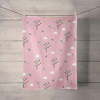 Paño de cocina rosa con patrón de árboles y cometas