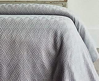 Piu Belle Portugal Solid Light Gray Matelasse Bedspead Coverlet with a Textured Woven Diamond Chevron Pattern (Queen)