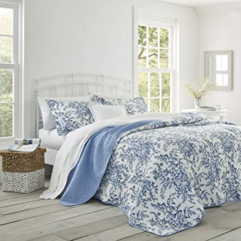 Laura Ashley Home | Bedford Collection | Luxury Premium Ultra Soft Quilt Coverlet, Comfortable 3 Piece Bedding Set, All Season Stylish Bedspread, Full/Queen, Delft