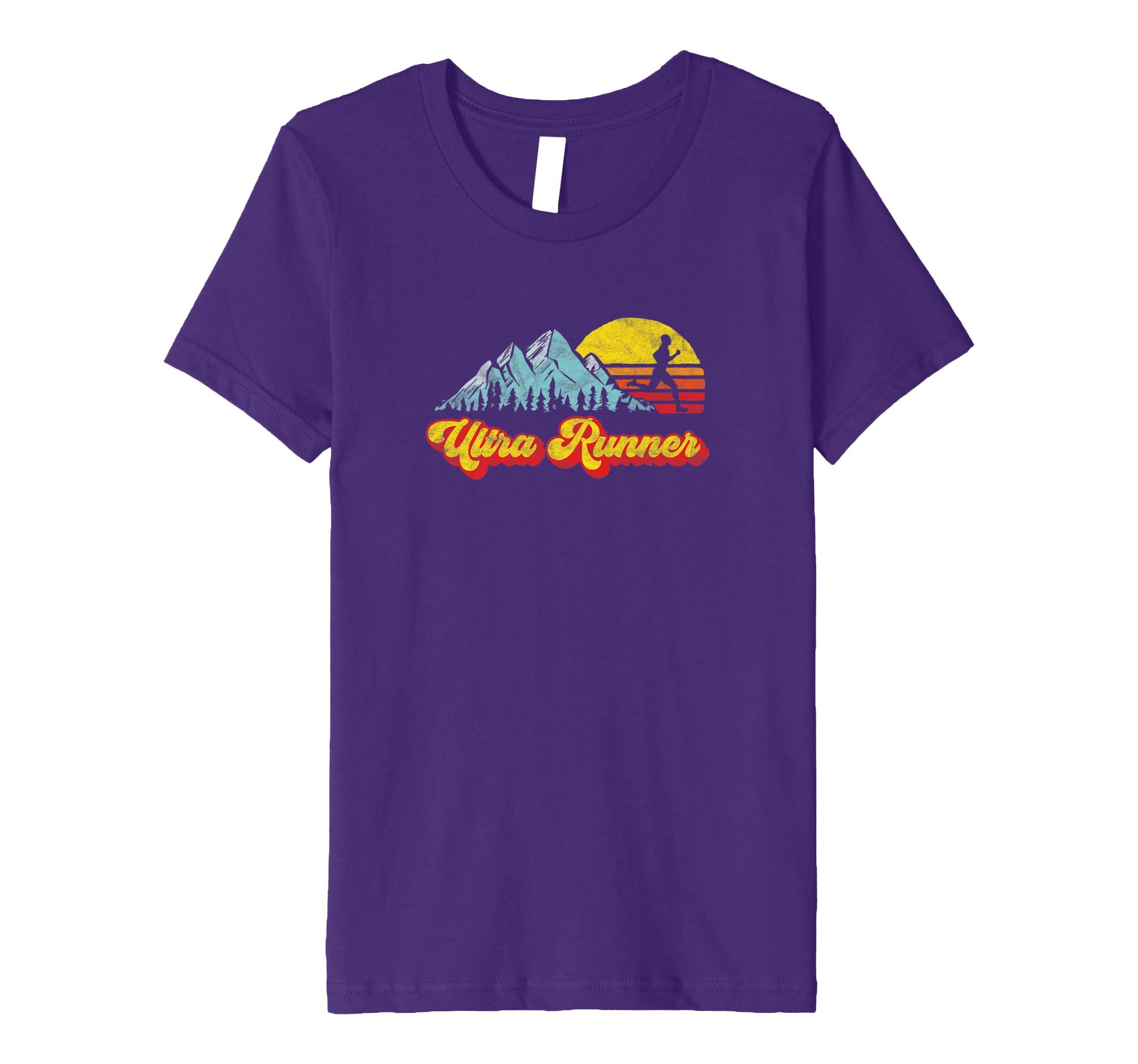 17883e03a71c Amazon.com  Ultra Runner - Retro Style Vintage Trail Running T-Shirt   Clothing