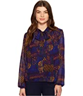 ROMEO & JULIET COUTURE - Printed Neck Bow Top