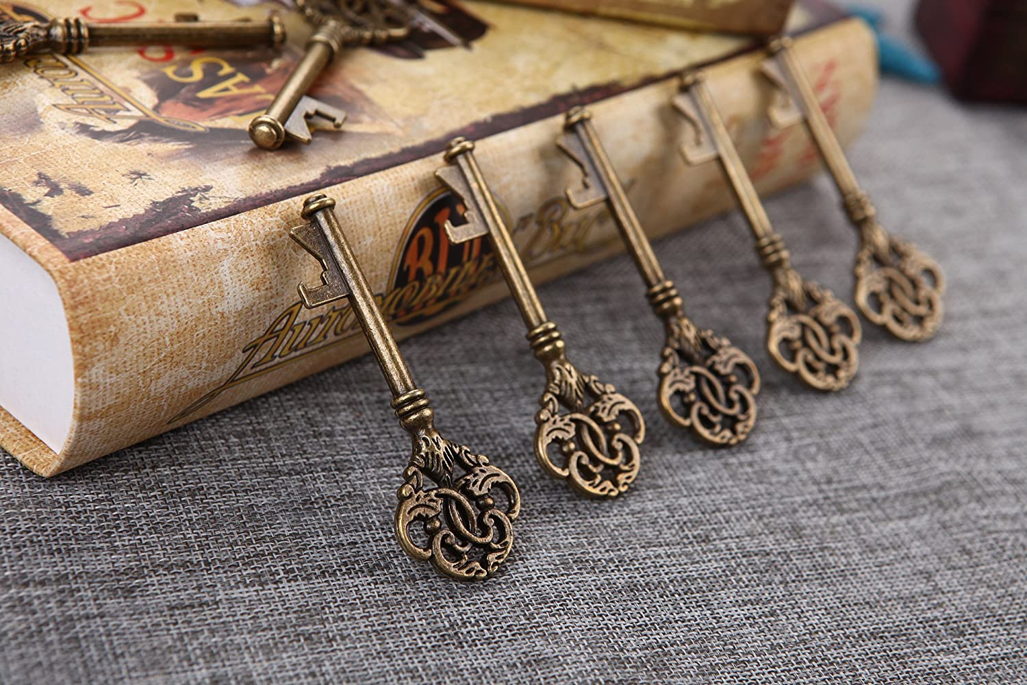40 Max 79% OFF All stores are sold Large Crown Skeleton Key Openers Bottle Favor Rustic Wedding