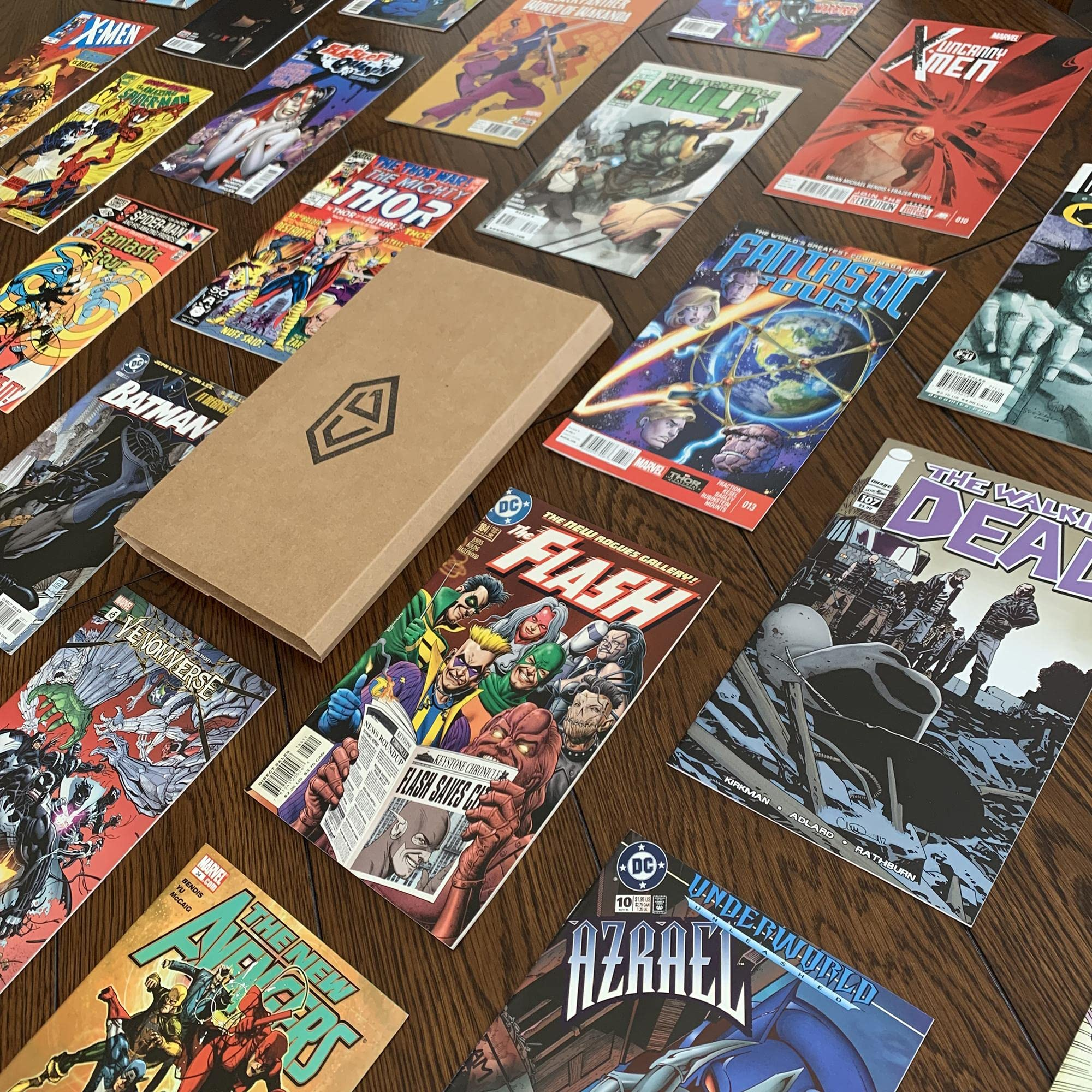 Amazon.com: The Comic Garage Super Box - Start a Collection or Expand on an  Existing One - 10 Collectible Comic Book Subscription Box: Memberships and  Subscriptions