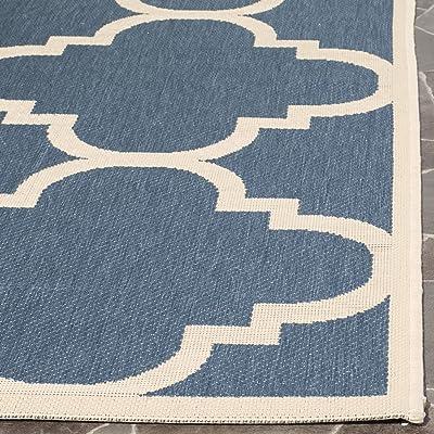 Tapis rectangulaire d'intérieur/extérieur treillis tissé , collection Cour, CY6243, en bleu / beige, 122 X 170 cm pour le jardin, le patio ou tout autre espace extérieur par SAFAVIEH.