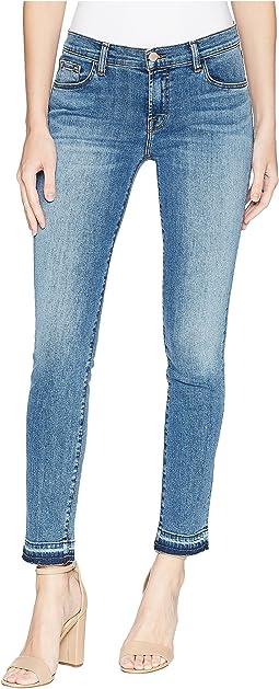 811 Mid-Rise Skinny Jeans in Delphi