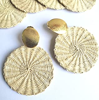 Colombian Natural Iraca Palm Earrings. Gold plated hammered Bronze and Iraca Palm earrings. 24 Kt Gold plated handmade earrings by D'Mundo Accesorios. 2,5