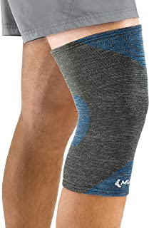Mueller 4-Way Stretch Premium Knee Support with Thermo Reactive Technology, Black & Blue, Medium/Large