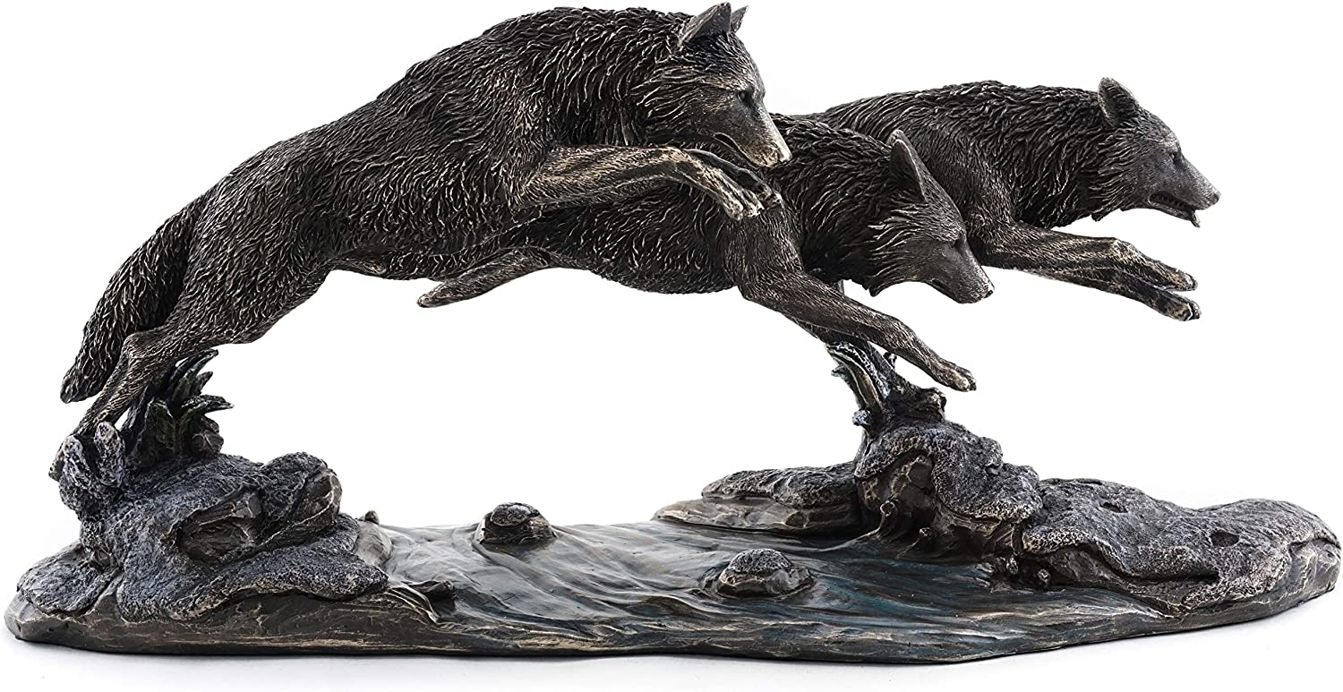 Top Collection Grey shop Wolves on The Replica Run Limited price sale Wolf Sculp Statue-