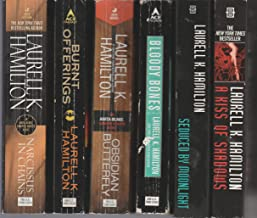 Laurell K.Hamilton - Set Of 6 Books - Seduced By Moonlight - Bloody Bones - Obsidian Butterfly - Narcissus In Chains - Burnt Offerings - A Kiss Of Shadows.